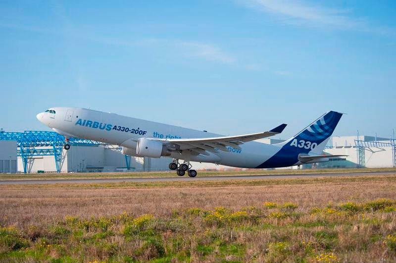 {:sl}TOVORA LETALO: AIRBUS A330 / AIRBUS A330-200. PRODAJA NOVIH IN rabljenih TOVORNIH AIRBUS A330-200F.